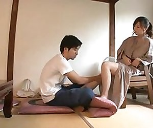 20140817 004 massage with no pants