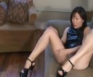Sexy leg chink in heels wont allow pindick bbc to fuck her